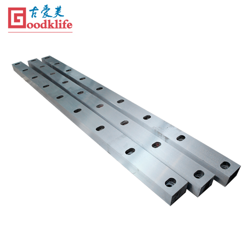 Alligator shear blade for low carbon steel sheet